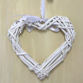 Pamper Hamper - Wreath Wicker Heart - White