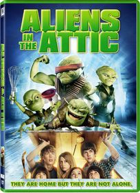 Aliens in the Attic - (Region 1 Import DVD)